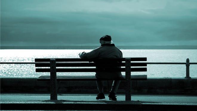 Kita Harus Tau Bedanya 'Lonely' dan 'Solitude'