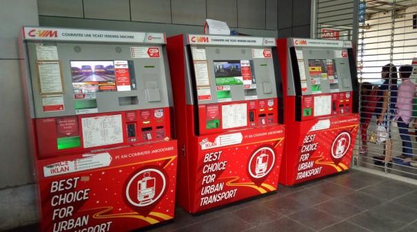 Saldo Kartu Kurang? Isi Ulang Aja Lewat Mesin Vending Machine Ini
